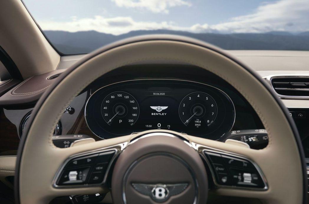 源自Continental GT和Flying Spur的全數位虛擬儀表。 摘自...