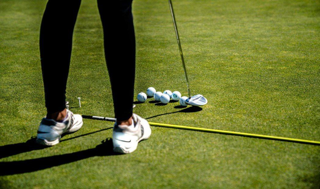 喜歡打高爾夫球和保齡球的人都有一個共同的特性,自我突破的欲望非常強烈,真正讓他們...