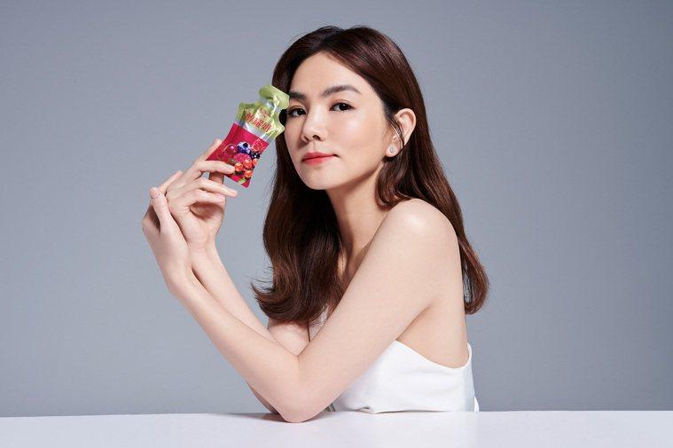 「醇耀妍」是喝的保養品。 圖/DV 笛絲薇夢 提供