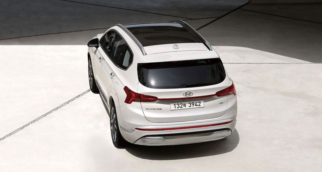小改款Hyundai Santa Fe。 摘自Hyundai