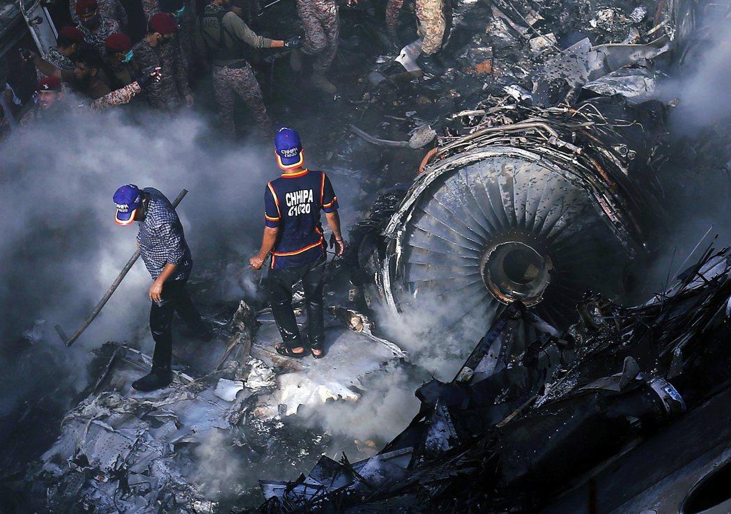 歐盟航空安全局表示,這項針對巴國航的起降禁令,是因為上月22日發生於喀拉蚩機場的...