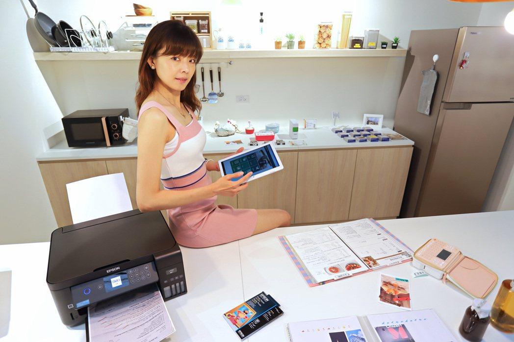 家庭列印解決方案專區以以居家實鏡空間展現Epson產品特點。 彭子豪/攝影