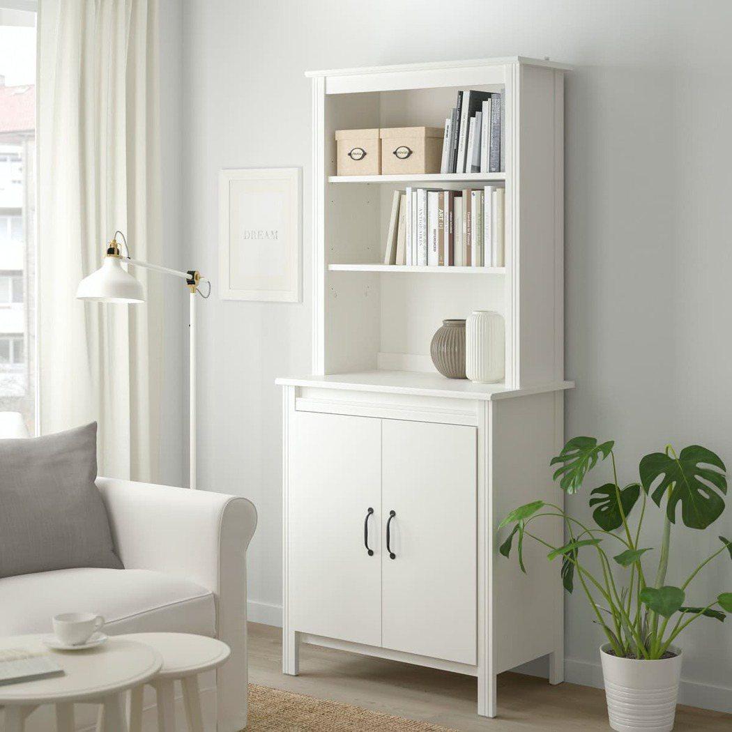 聰明分類收納物品讓空間更清爽,BRUSALI附門高櫃(原價4,990元、特價2,...