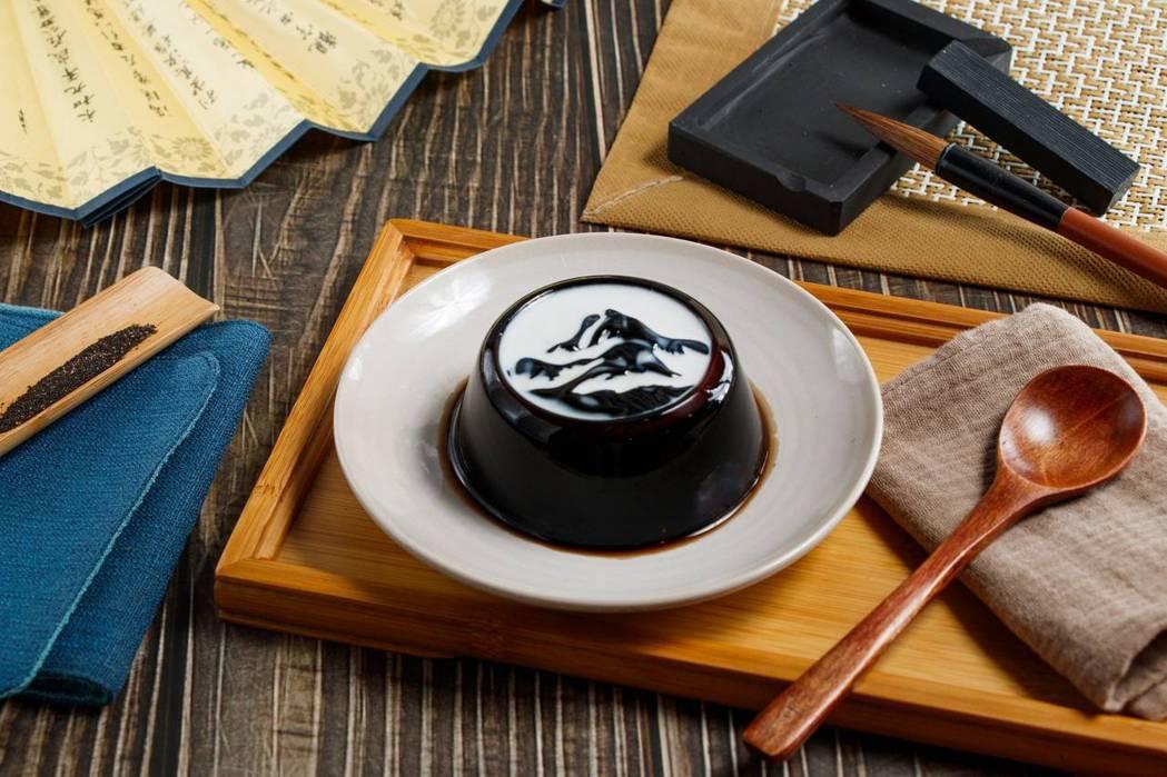 故宮X黑丸仙草推絕美甜點「墨戲仙草」。 圖/國立故宮博物院提供