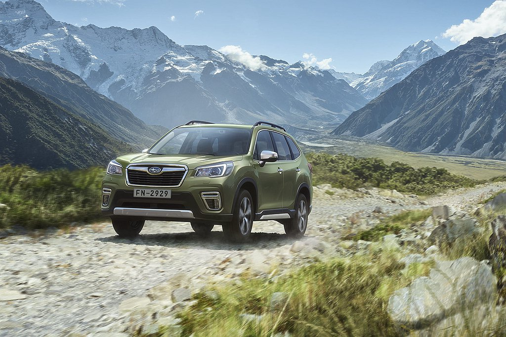 Subaru Forester於7月延續「好禮四選一」優惠方案,不僅貼心為消費者...