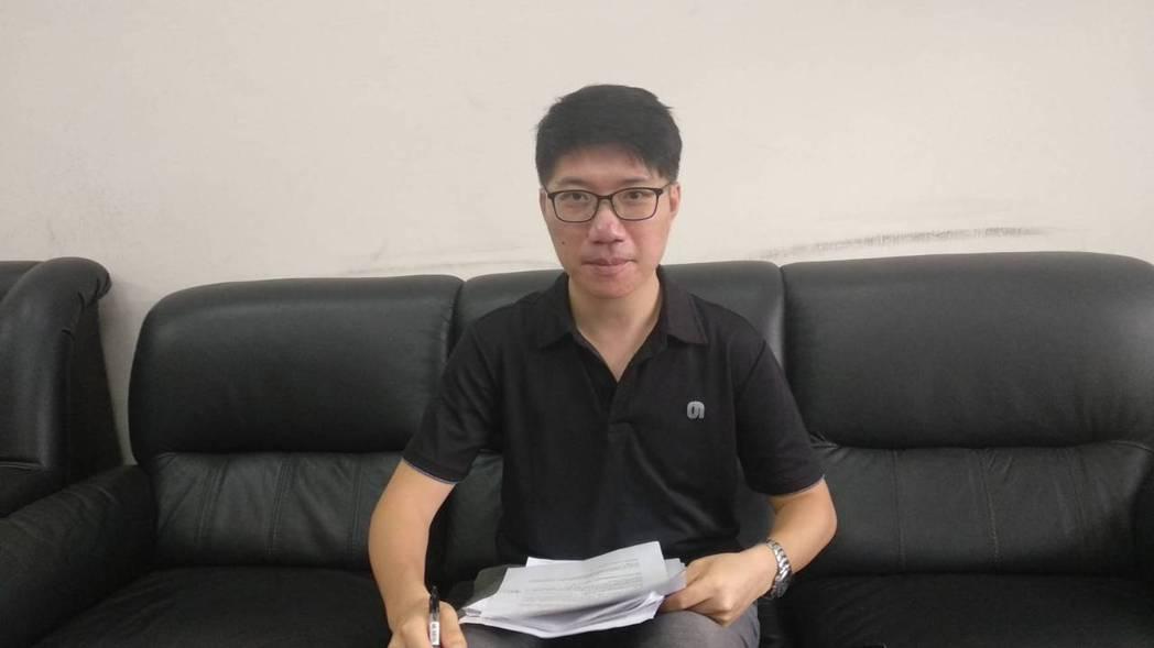 檢察官陳隆翔說,「判決證明監委有偏頗的政治立場」。記者白錫鏗/攝影