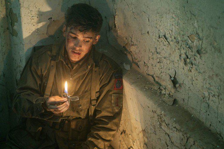 恐怖新片「戰爭中的鬼故事」(Ghost of War),找來「蝴蝶效應」(The Butterfly Effect)票房名導艾瑞克布萊茲(Eric Bress)執導,並由「澳洲鮮肉」布蘭頓思懷茲(B...