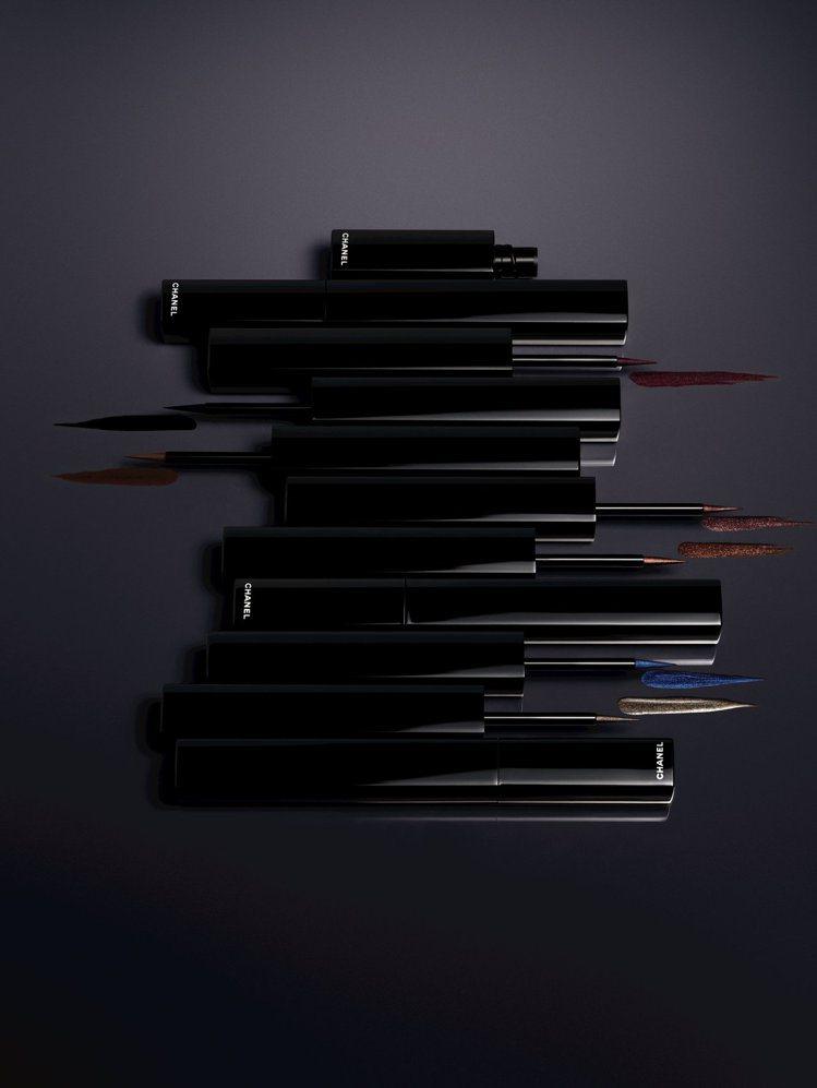 精確持久眼線液筆使用自來水筆海綿刷頭,筆尖極細又有彈性,共有7色選。圖/香奈兒提...