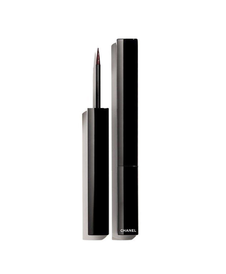 精確持久眼線液筆#518深紫,1,190元。圖/香奈兒提供