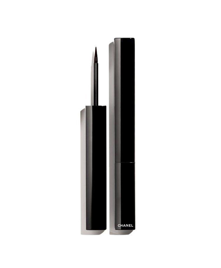 精確持久眼線液筆#516棕紅,1,190元。圖/香奈兒提供