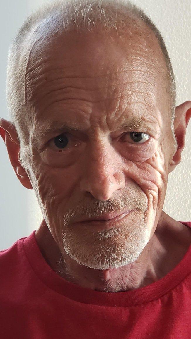 丹希克斯在罹患癌症後,整個變削瘦。圖/摘自臉書