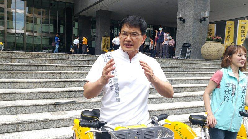 民眾黨籍高雄市長補選參選人吳益政。記者蔡孟妤/攝影