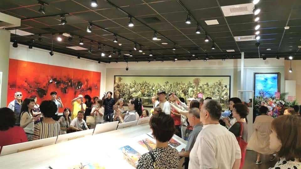 程秀瑛的畫展吸引眾多人前往欣賞。圖/程秀瑛提供