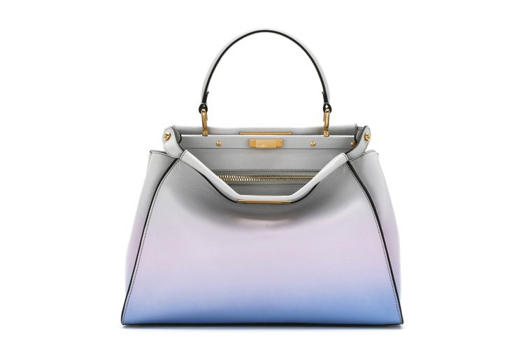 FENDI California Sky Peekaboo,17萬4,000元。...
