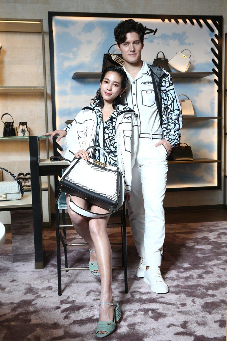 温貞菱詮釋FENDI California Sky系列,白色夾克74,000元、...