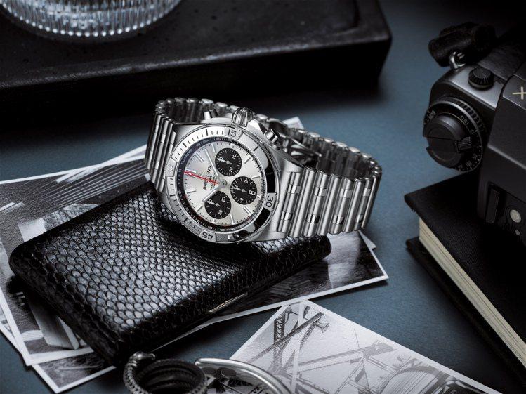 百年靈CHRONOMATB01 42機械計時腕表,23萬8,000元。圖/百年靈...