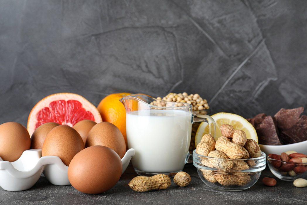 國人新十大慢性食物過敏原排行榜出爐,前三名分別是蛋白、蛋黃及花生。圖╱123RF