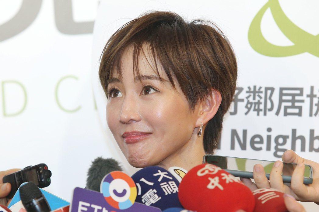 張鈞甯出席公益記者會,號召民眾一同捐款做愛心。記者林伯東/攝影