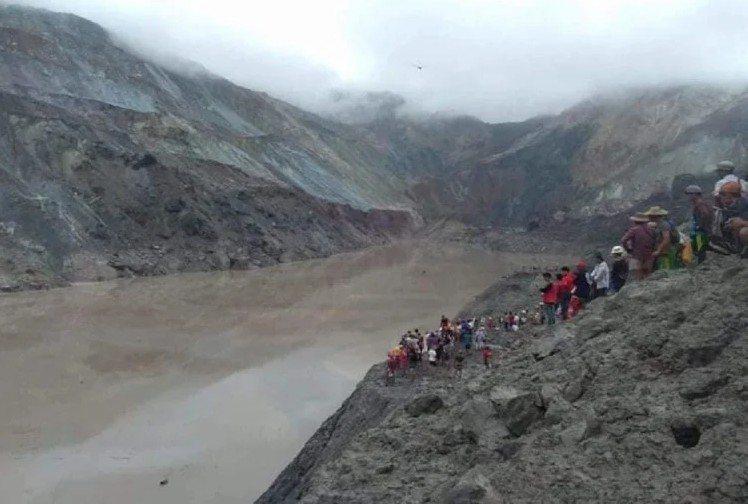 緬甸北部一座玉石礦場發生山崩,造成至少50人死亡。 圖/翻攝自khabrinews