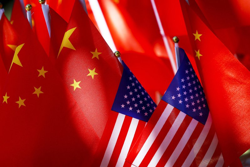 美媒CNBC今天報導,美中對抗戰線進一步延伸至香港自治議題與新冠肺炎溯源,美中關係正邁入迄今最黑暗篇章。 美聯社
