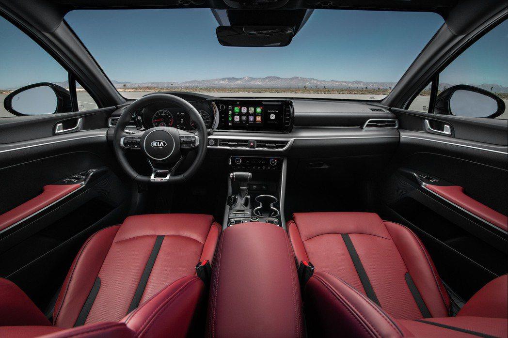 新世代美規Kia K5內裝 (圖為K5 GT-Line式樣)。 摘自Kia