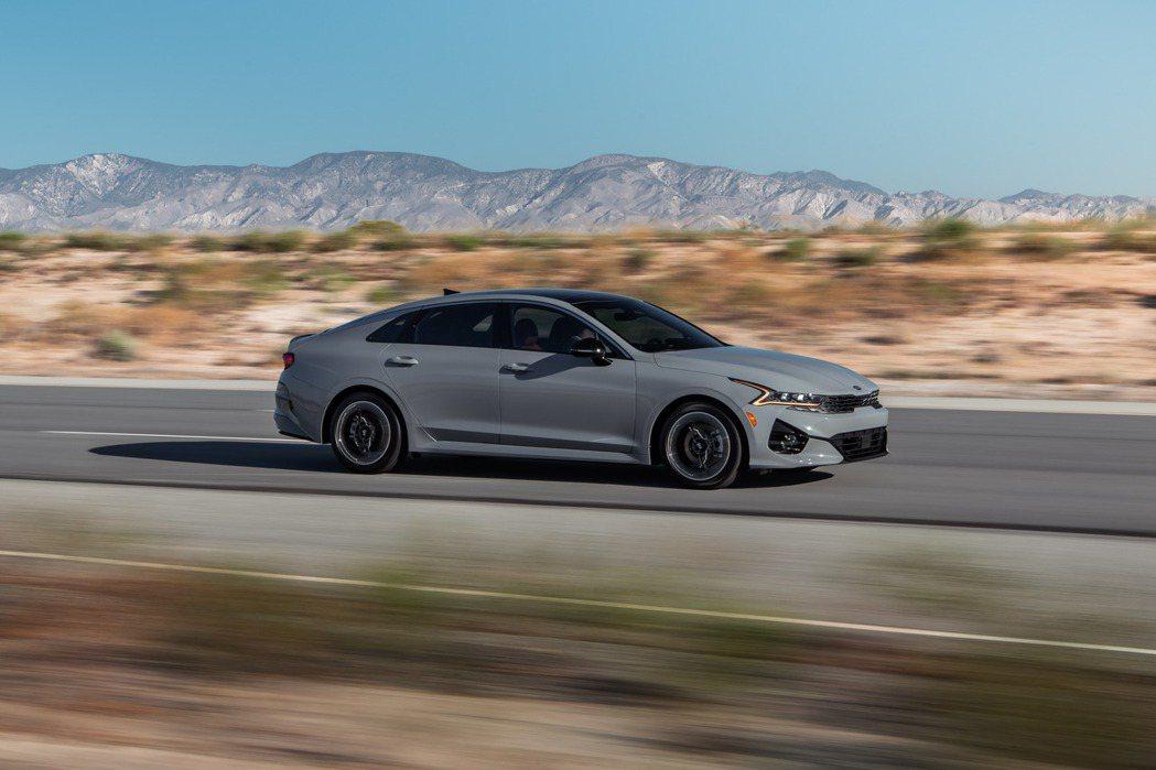 新世代美規Kia K5動力初期僅提供1.6升四缸渦輪增壓引擎 (圖為K5 GT-...