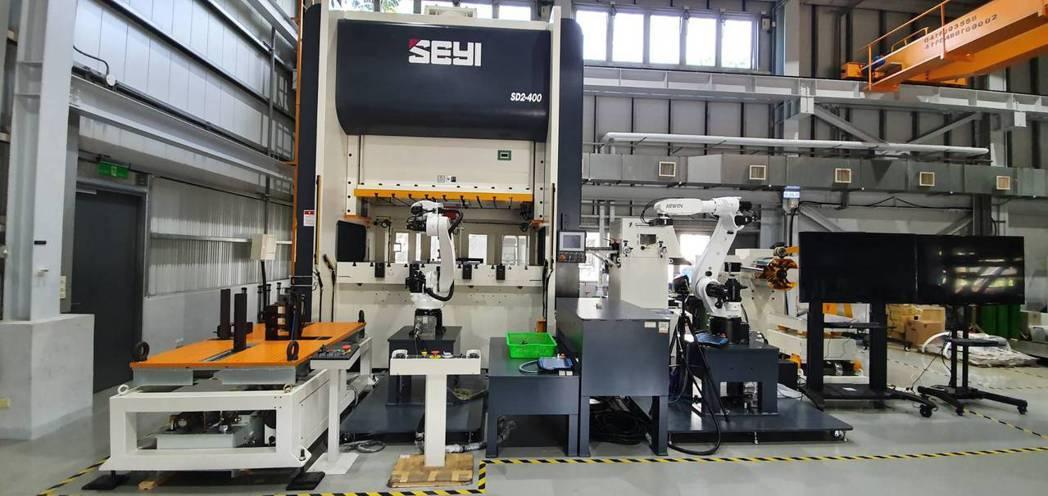 沖壓模具產業智慧製造示範場域。 金屬中心/提供