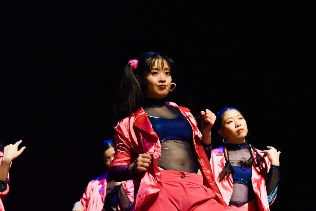 章睿棻喜歡跳舞。圖/風雅國際提供
