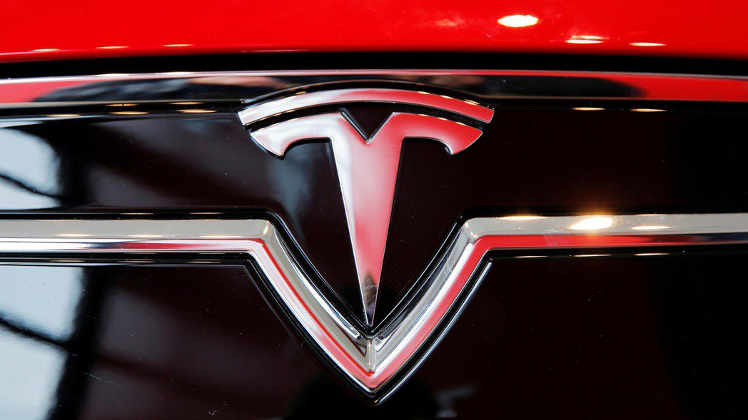 特斯拉市值超越豐田汽車,成為全球市值最高的汽車製造商。 (路透)
