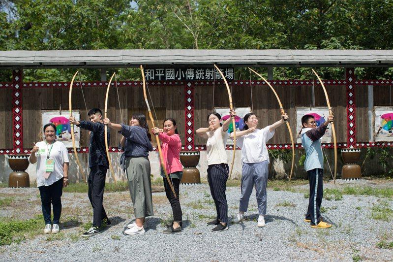 台泥助力花蓮觀光,推暑期限定的「和平夏日.輕旅行」。(圖/台泥提供)