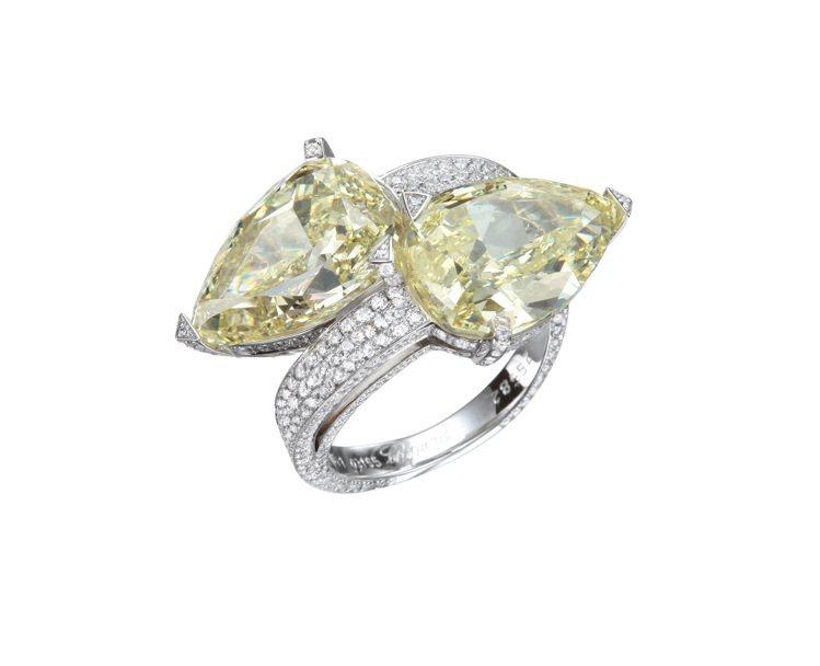 蕭邦高級珠寶系列戒指,18K白金鑲嵌梨形切割7.12克拉FANCY YELLOW...