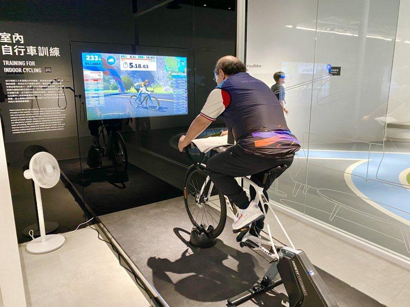 室內自行車訓練。記者宋健生/攝影