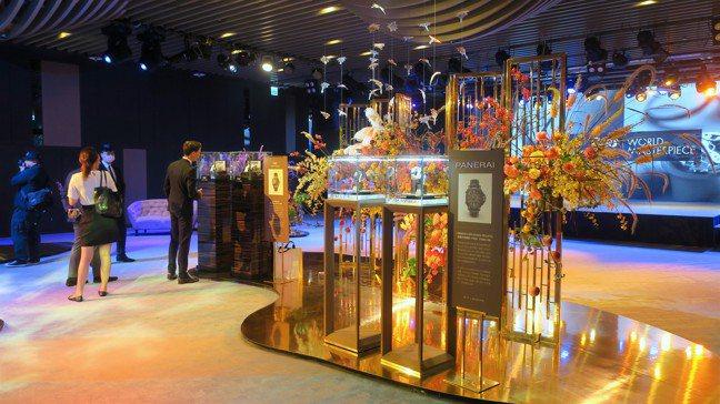 位於101四樓獨一文創的The One的展間,一次展出多個頂級鐘表品牌的重量級之...