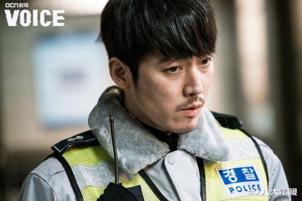 張赫在驚悚神劇「VOICE」中飾演刑警。圖/八大電視提供