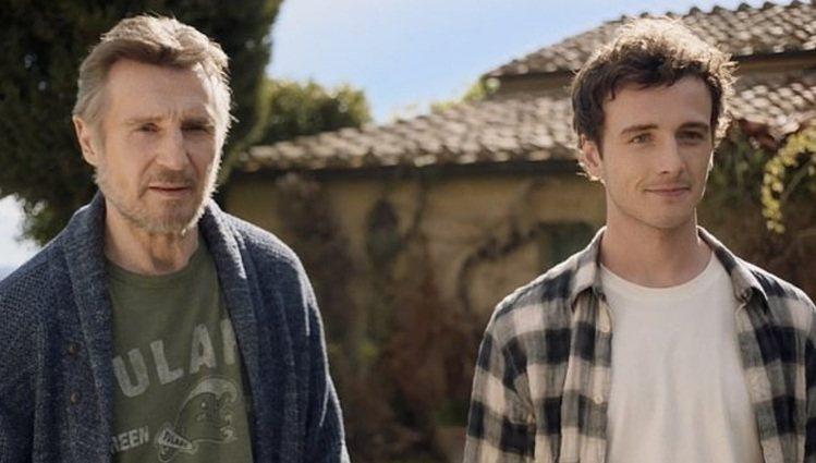 連恩尼遜與兒子米赫(右)同台飆戲。圖/摘自Crossday Production...