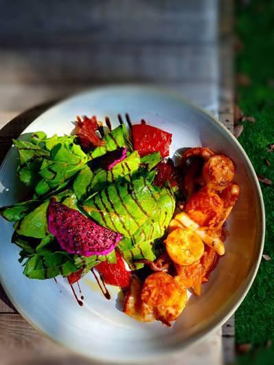 苗栗市國華路阿發西式小館的台式西餐,創作菜色展現風格。圖/徐式谷提供