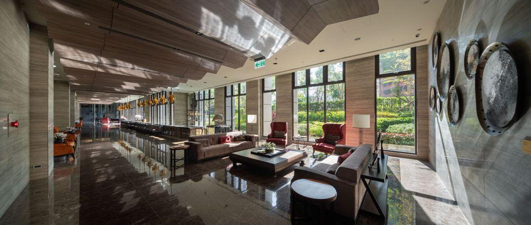 「君泰凰」氣派交誼廳,呈現豪宅DNA。 業者/提供
