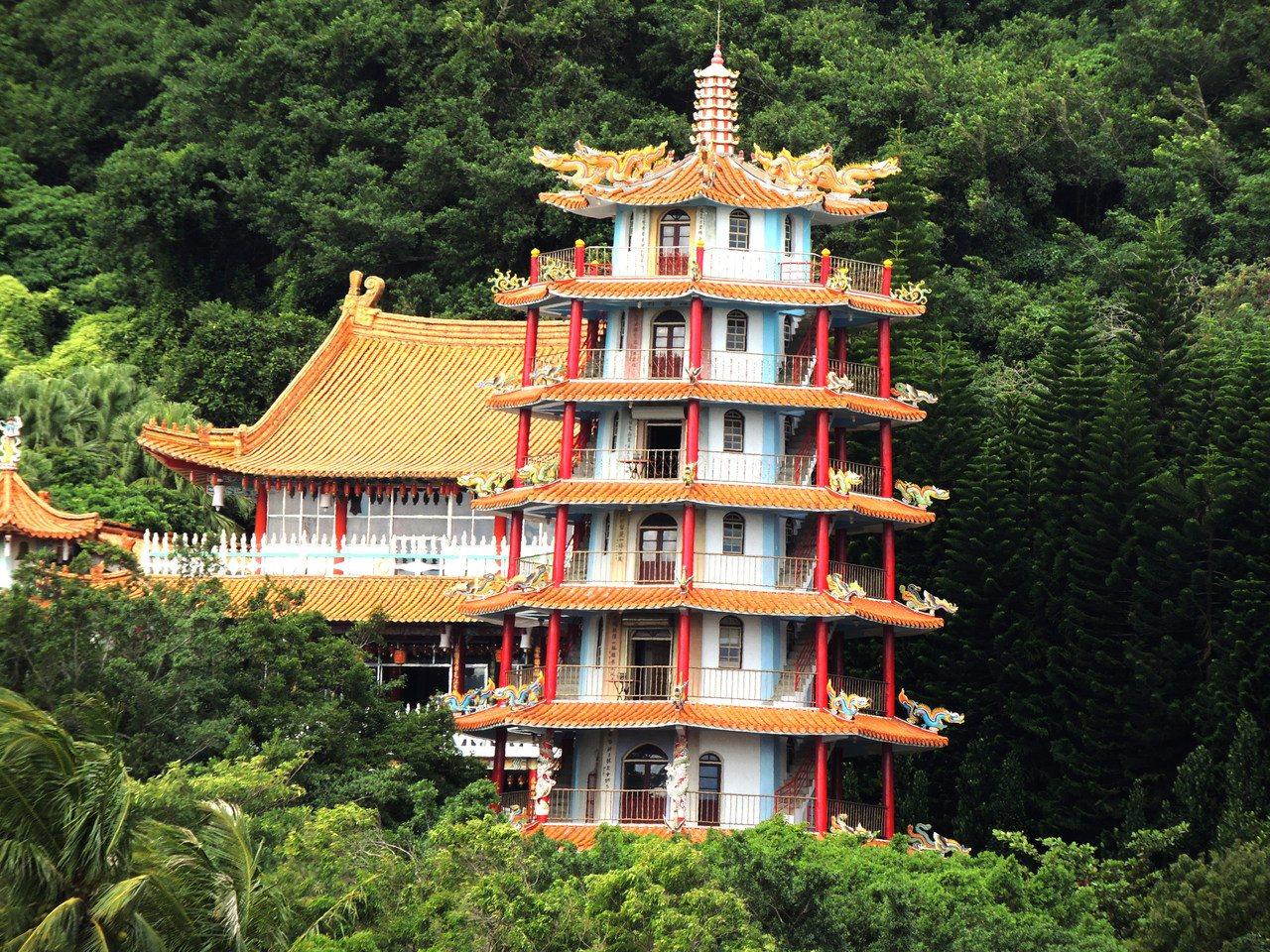 來到台東市,鯉魚山必遊景氣之一,登上鯉魚山可遠眺整個台東市區。 圖/羅紹平 攝影