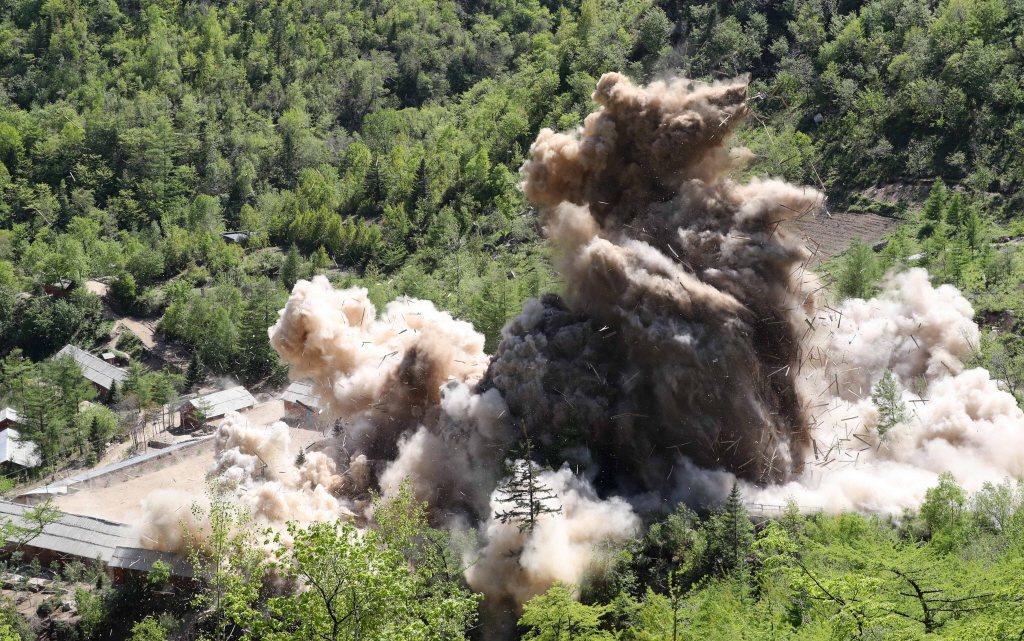 2018年,北韓公開爆破豐溪里核試場。 圖/歐新社
