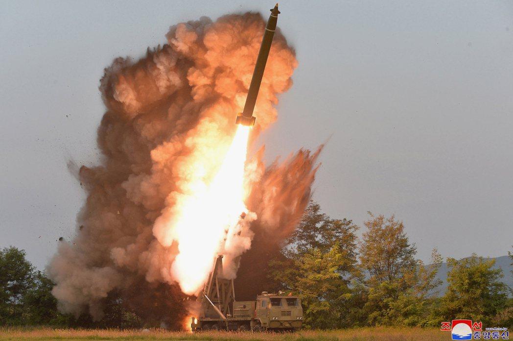 2019年,北韓試射火箭畫面。 圖/美聯社(經朝中社)