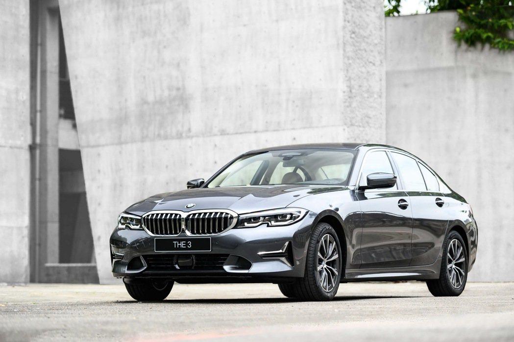 全新2.0L BMW 318i Luxury 品味亮相。 圖/汎德提供