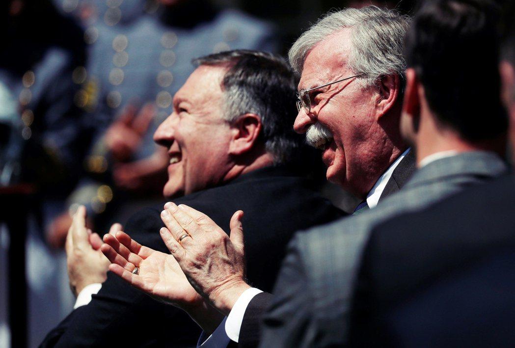 背景與政策思考的解釋可能會觸及洩露國安的疑慮,但過去也曾與老布希、小布希共事過的...