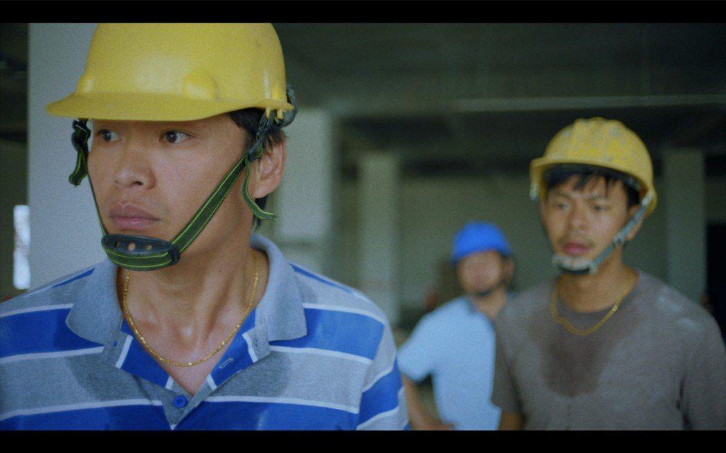 黃鐙輝(左)、孫綻在「無主之子」中體會當黑工的辛苦。圖/民視提供