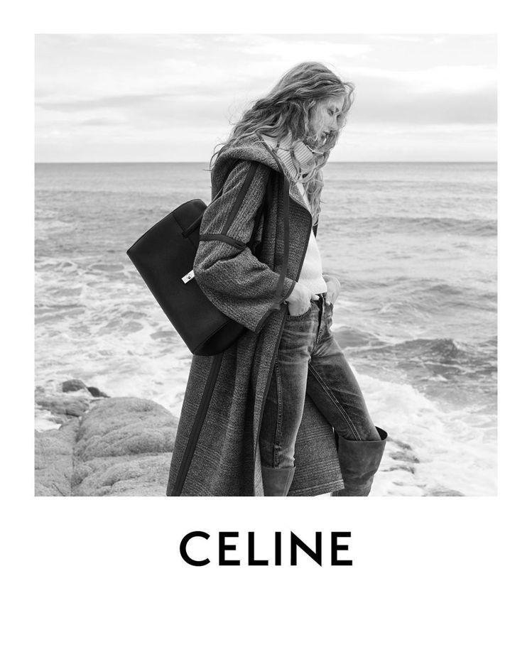 CELINE推出全新Soft 16卡其綠小牛皮大型肩背包。圖/CELINE BY...