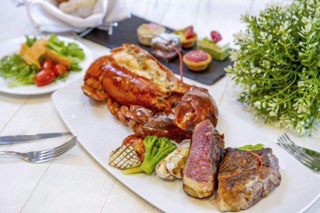 澎湃海陸雙人餐共有3種組合,任選1道來自美國、澳洲、日本等地的高級和牛主餐,再加...