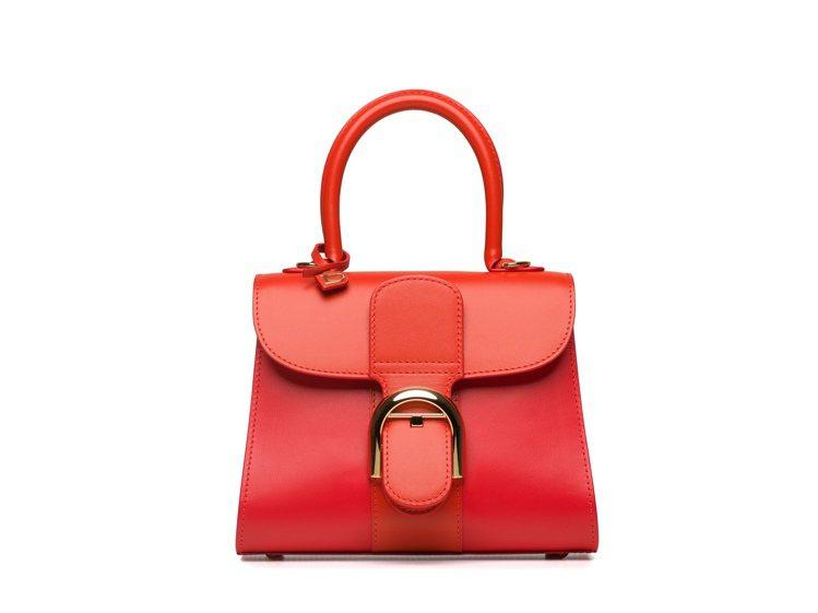 Brillant珊瑚紅三色漸層牛皮小型肩背手提包,16萬3,900元。圖/DEL...