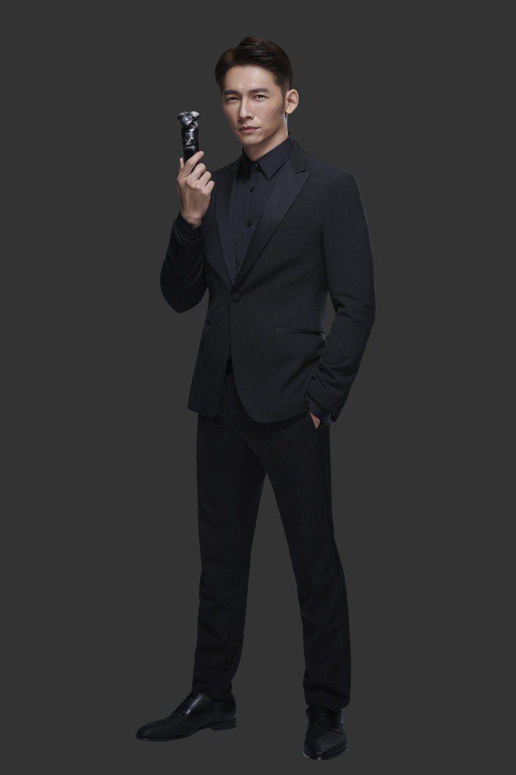 溫昇豪渾身散發成功男人魅力。圖/飛利浦提供