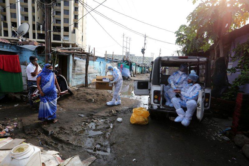 印度今天通報新增逾2萬2000例2019冠狀病毒疾病(COVID-19)確診,創單日新高,另新增442人病故。 歐新社
