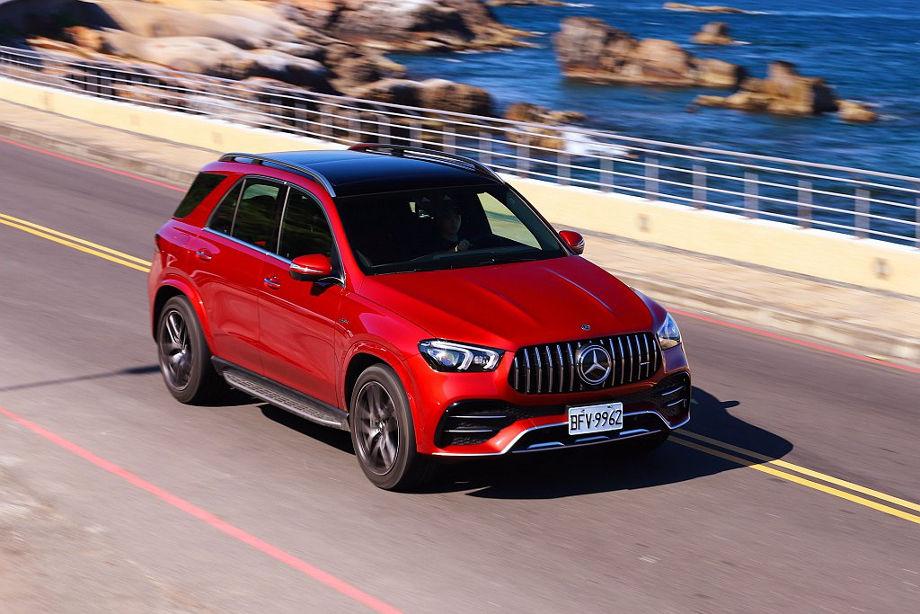 Mercedes-AMG GLE 53 4MATIC+以EQ Boost科技與A...