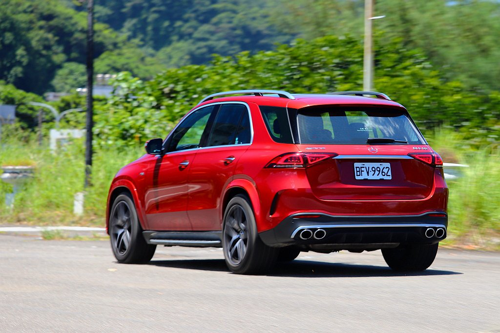 Mercedes-AMG GLE 53 4MATIC+在AMG SPEEDSHI...